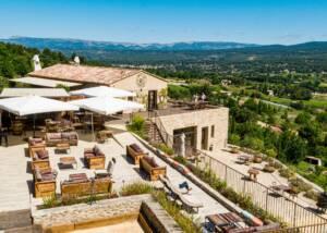 main building of domaine de la font des pères winery