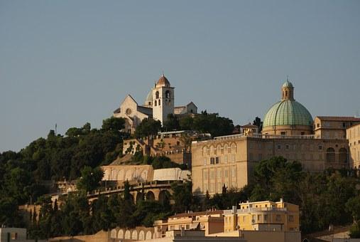Italien, Ancona, Landschaft, Hill