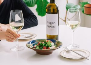 White wine tasting during lunch at Vinhos Norte