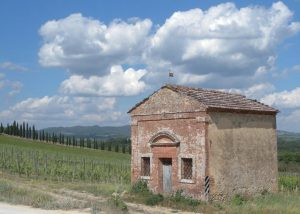 Tenuta Cappellina estate overview of winery building and vineyard in Italy