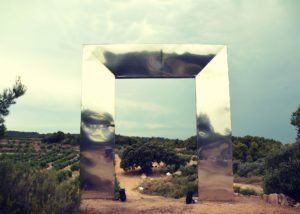Mas Blanch I José - Sculpture Framing the Dream