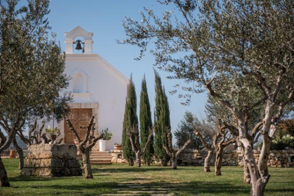 Terre Di San Vito winery bulding and trees