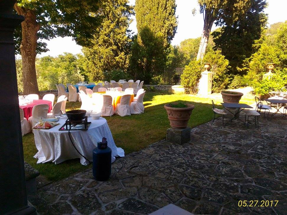 Tables for tasting in the courtyard of the winery Fattoria Montanine.
