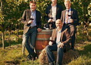oberrotweil four winemakers tasting great wines in the vineyard
