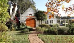 pepper tree wines road to the magnificient white estate in australia