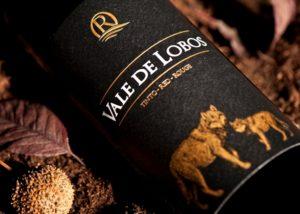 quinta da ribeirinha bottle of divine wine with wolves on label