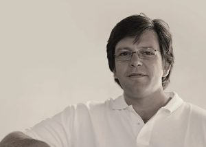 quinta do piloto black and white photo of the owner of the winery