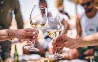 via vinera unique white wine tasting session with many visitors