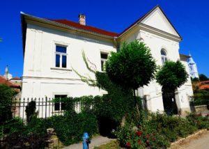 Main building of Barta winery