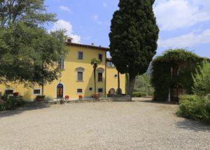 Good-looking building of the Tenute San Fabiano - Conti Borghini Baldovinetti de' Bacci winery