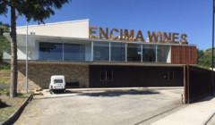 main building of bodega encima wines