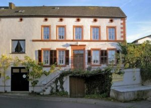 Front-View Of The Building Of The Dienhart Weine Weingut Zur Römerkelter Winery