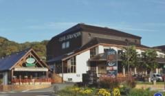main building of la cave des producteurs de jurançon winery