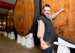 wine maker testing wines at sidras bereziartua