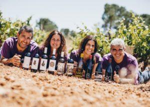 winemakers family at Bodegas Gratias. Familia y Viñedos winery