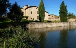 Magnificient building of the Château De Pravins winery