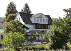 Weingut Pfeiffgen - building